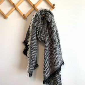 3/$25 Cozy black and white blanket scarf
